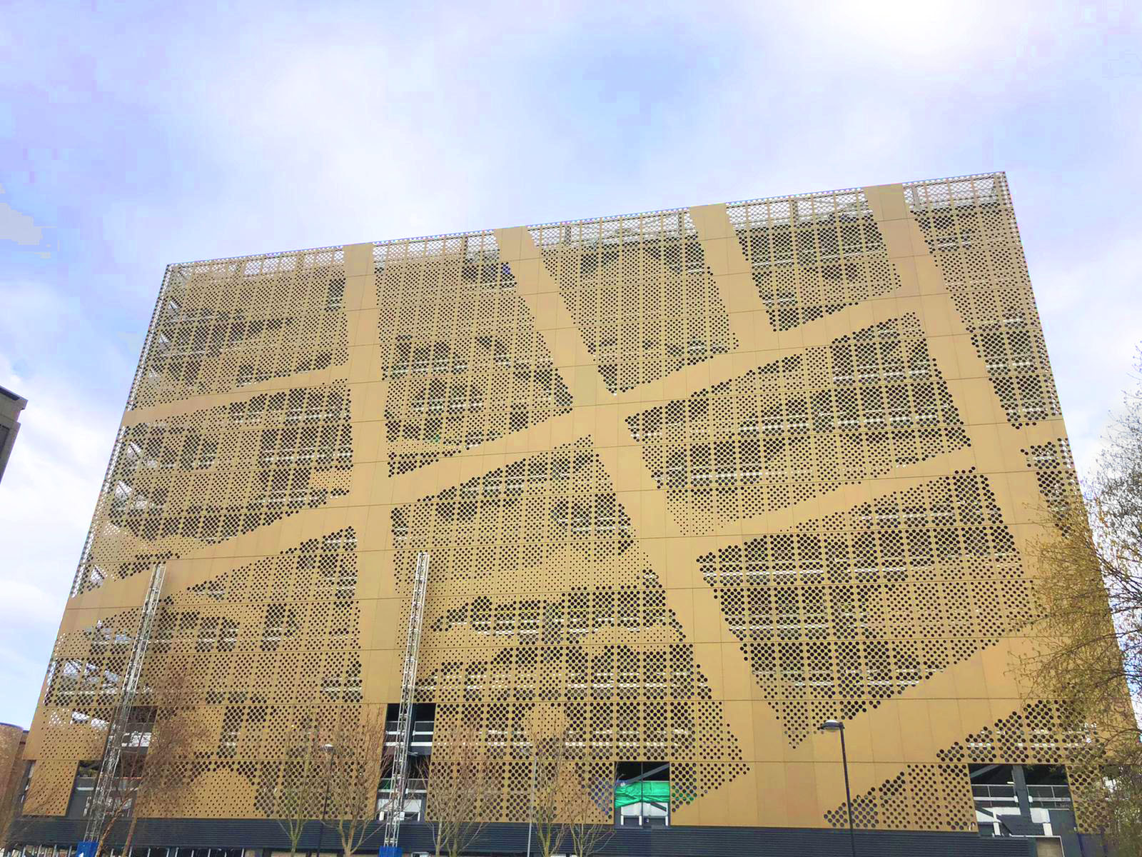 Architectural façade creates intriguing design on 12-storey Liverpool car park